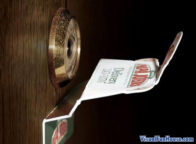 Papa Johns eye hole add exterior