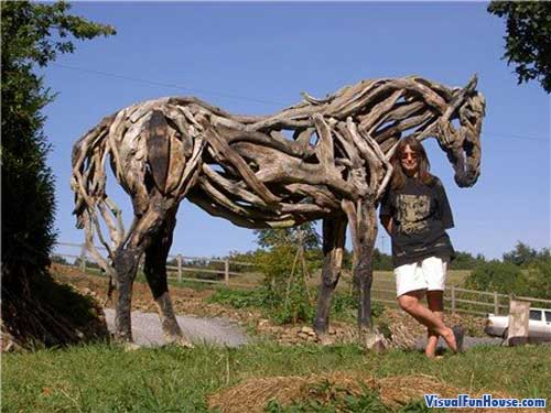 Heather Jansch with her driftwood horse