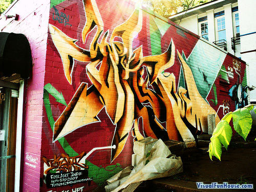 Vibrant 3D Arrow Graffiti Art